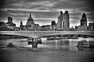 UK, London, The City, Waterloo Bridge over River Thames