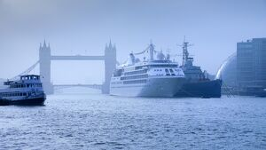 UK, London, River Thames, Tower Bridge, Cruiseliner, HMS Belfast