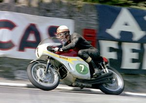 Mike the Bike leave Governors Bridge; 1967 Lightweight TT