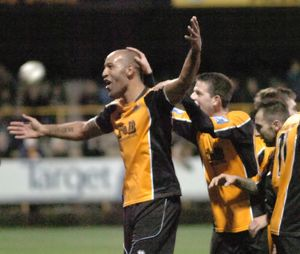 Boston United 4-2 Eastwood Town 26-12-2011 (Selection of 12 Items)