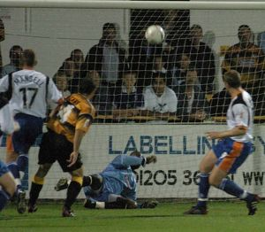 Boston United 4-3 Luton Town 07-09-2004