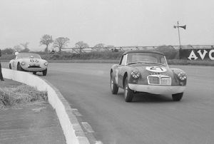 MGA Twin Cam, Ecurie Chiltern. D.G. Dixon. Silverstone 9th May 1959