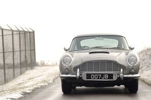 aston martin db5 007 james bond