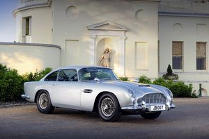 Aston Martin DB5 (original James Bond 007 Goldfinger car) 1964 silver