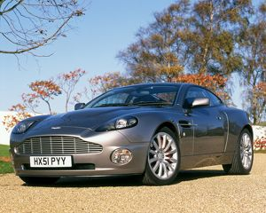 Aston Martin V12 Vanquish James Bond
