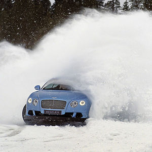 Bentley Continental GT Speed 2013 Blue light