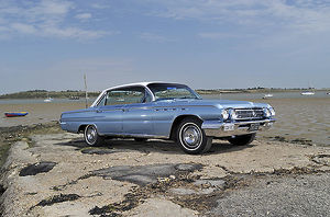 Buick Electra 225 1962 Blue & white
