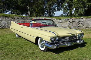 Cadillac Series 62 Convertible 1959 Yellow