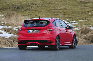 Ford Focus ST 2015 Red