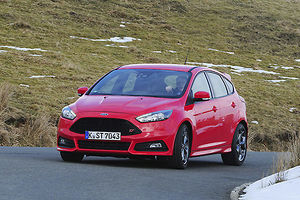 Ford Focus ST, 2015, Red