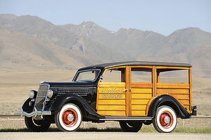 Ford Model 48 Deluxe Station Wagon 1935 Black & brown