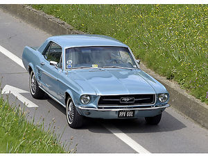 Ford Mustang 1967 Blue light
