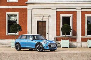 Mini Cooper 5-Door 2014 Blue & white