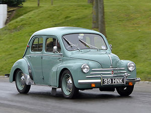 Renault 4CV 1955 Green light