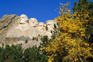 places/fall color mount rushmore mount rushmore national