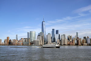 usa/ferry hudson river passes world trade center manhattan