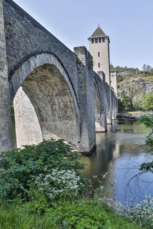 places/france cahors pont valentre lot river
