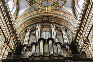 architecture/france toulouse church jacobins organ pipes