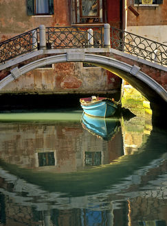 architecture/italy venice canal bridge building credit as