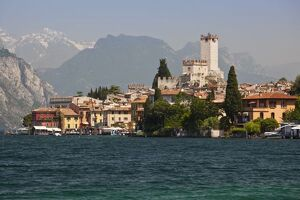 ITALY, Verona Province, Malcesine. Lakeside town view