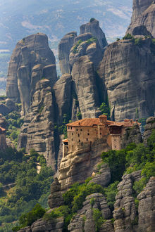 landscape/monastery roussanou meteora greece unesco world