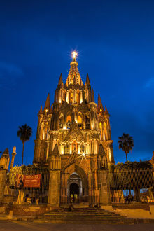 North America;Mexico;San Migel de Allende;Evening Lights Parroquia Archangel Church