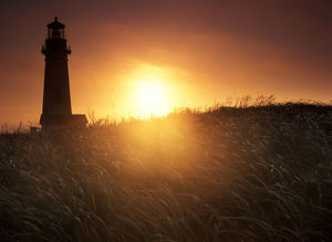 Sunset over Yaquina Head Lighthouse, Oregon coast
