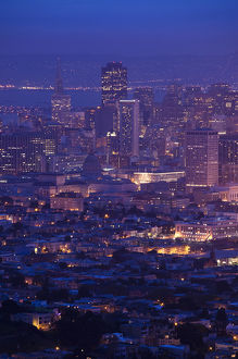 USA, California, San Francisco, Twin Peaks, elevated city view, dawn