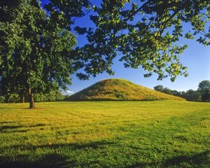 <b>Cahokia Mounds State Historic Site</b><br>Selection of 1 items