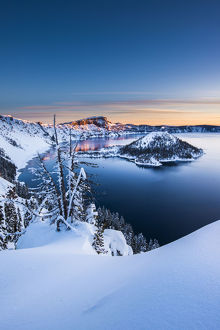 usa/usa oregon crater lake national park winter