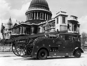 LFB dual purpose fire engine, St Paul's Cathedral, London