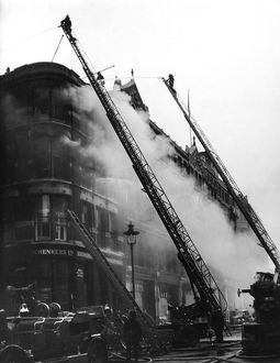 London firefighters at work, Queen Victoria Street