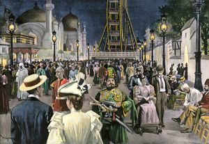 Crowds at the Chicago world's fair at night