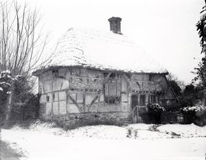 Snow picture at Bignor Old Shop, January 1940