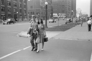 whats new b/chicago michigan avenue couple crossing michigan