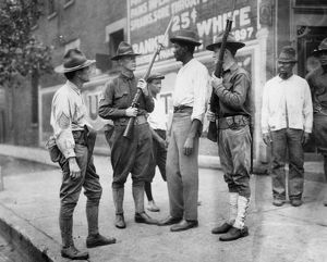 african american history/chicago race riot 1919 national guardsmen questioning