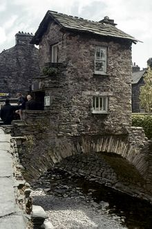 ENGLAND: CUMBRIA. Southern Lakes, Old Bridge House, Ambleside.