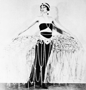 fashion/erte costume 1922 cage costume designed erte