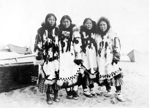 ESKIMO WOMEN in Alaska, c. 1903
