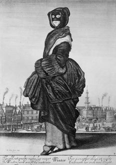 fashion/fashion fur coat 1643 woman wearing mask fur