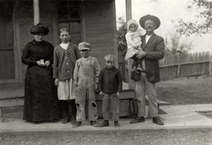 HINE: FARM OWNERS, 1913. The Benkendorfer family on their cotton farm near West, Texas