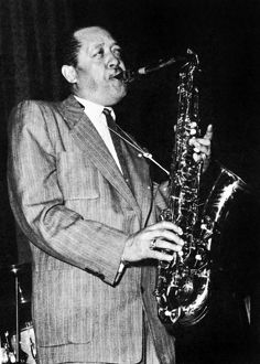 LESTER YOUNG (1909-1959). American musician.