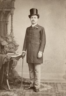 fashion/man c1887 man photographed studio ferry holtzmann