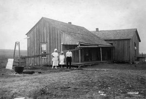 agriculture/migrant family 1913 dilapidated renters home