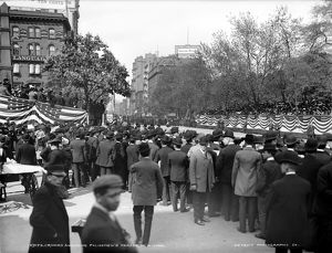 us cities/new york parade c1905 crowds awaiting policemens