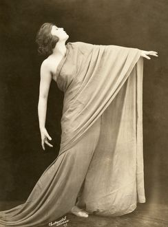 OLIVE ALCORN (1900-1975). American dancer, model, and silent film actress. Photograph