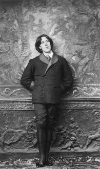 OSCAR WILDE (1854-1900). Irish poet, wit and dramatist. Photographed in 1882 in New York City by Napoleon Sarony.