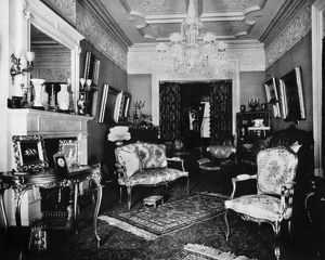 PARLOR OF NYC BROWNSTONE. The front parlor of a New York City brownstone. Photograph