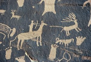 PETROGLYPHS, UTAH. Petroglyph hunting scene at Newspaper Rock, Canyonland National Park