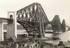 SCOTLAND: FORTH BRIDGE. The Forth Bridge, spanning the Firth of Forth, Scotland
